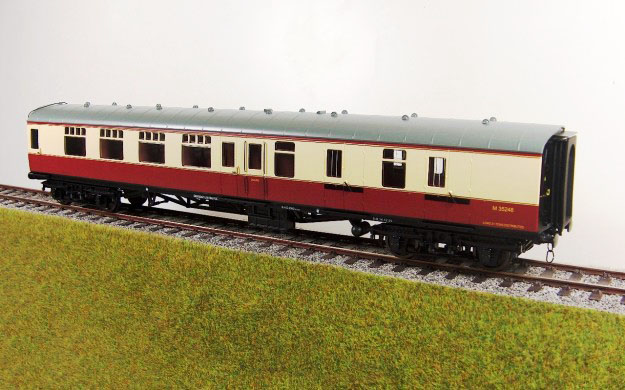Accucraft UK - 1:32 Scale BR Mk1 Coaches